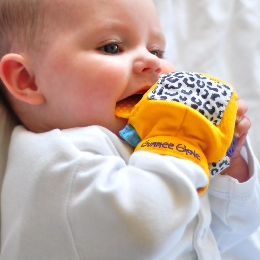 jugando-5-1024x1024 Bebés de 9 a 12 meses.