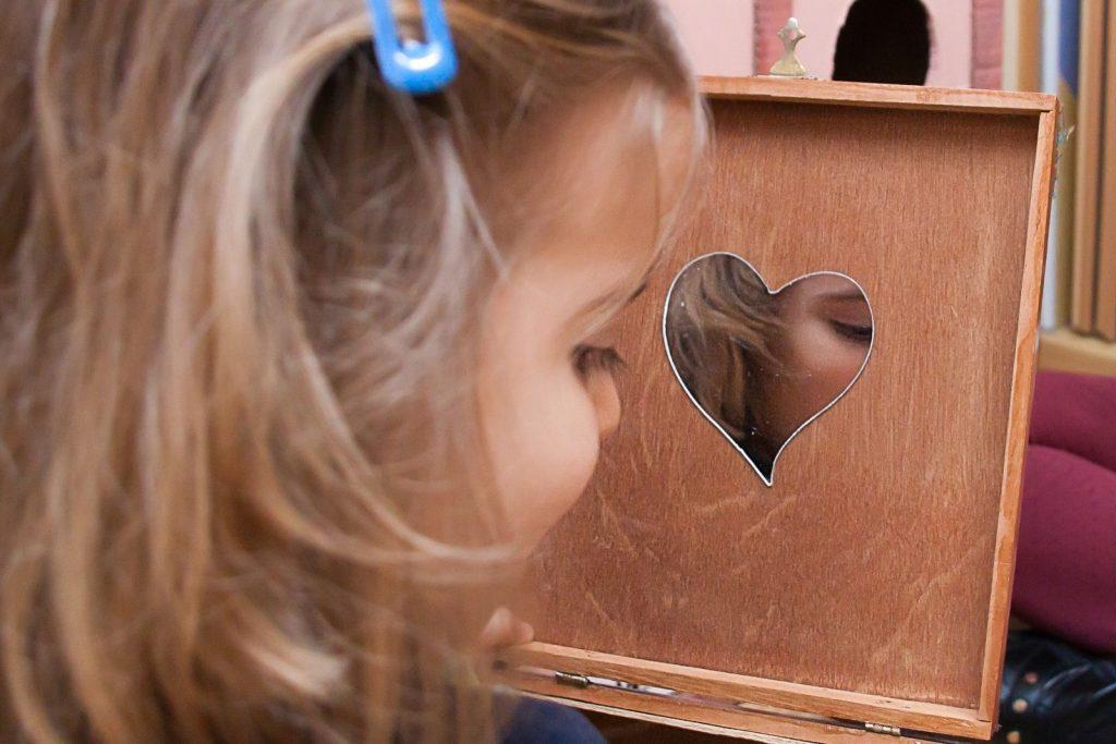 IMG_0260-compressor-1024x683 Emociones en Educación Infantil: sorpresa, Amigo Árbol y cambio en la web