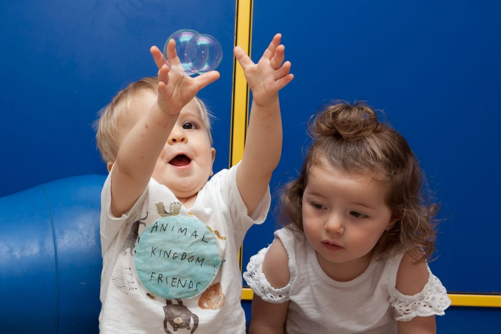 120medX-1024x683 Pertenecer a una escuela infantil; adaptación en comunidad