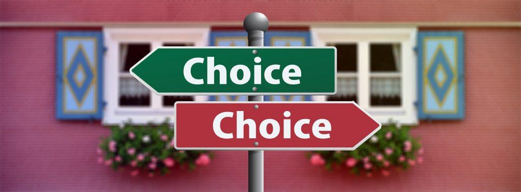 choice-2692575_1920-1024x379 Acariciando el corazón de la infancia